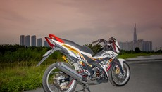 Biker Sài Gòn độ Honda Sonic 150R chất chơi với vành nan hoa Excel