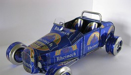 sandy-sanderson-cancar-made-by-beer-cans