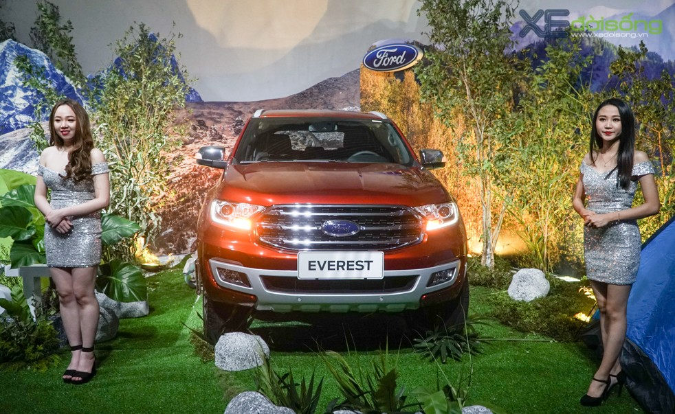 Ford Everest 2018 ban cao cap nhat gan 14 ty co gi de dau Toyota Fortuner