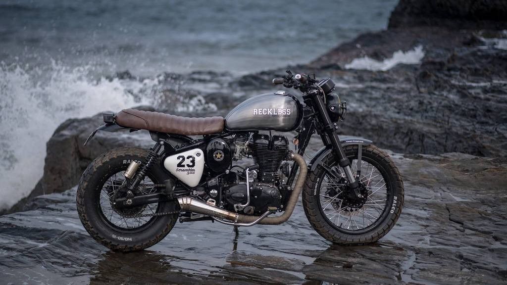 "Royal Enfield Classic 500 lot xac voi ban do scrambler ""sieu ngau"