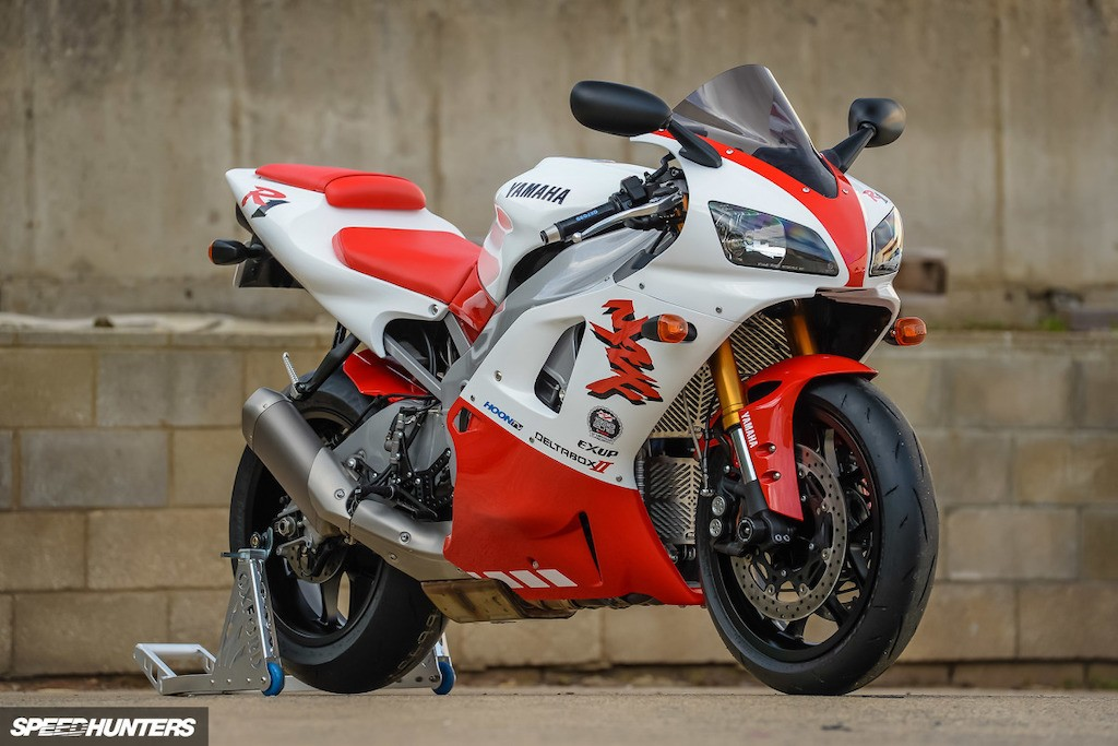 Nguoc doi Yamaha R1 2018 do R1 1998 doc nhat The gioi