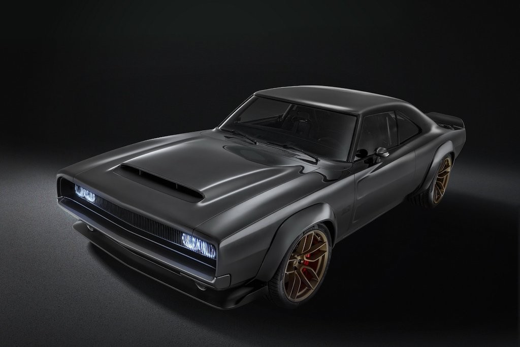 Can canh xe co bap Dodge Charger ky niem 50 nam manh 1000 ma luc