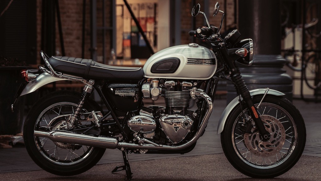 Ngam ve dep hoai co tinh te cua mo to Triumph Bonneville Diamond