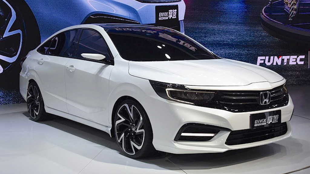 Ngam sedan Honda Envix to hon Civic may be hon City sap ban ra