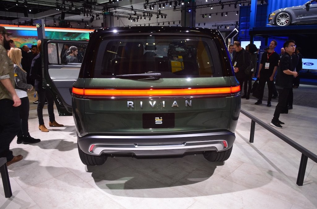 "Can canh SUV dien ""hang doc"" Rivian R1S toi tu My"
