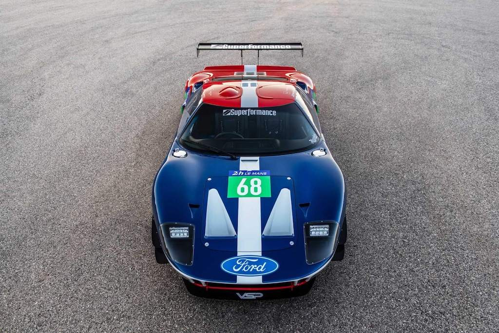 "Doc dao Ford GT40 ""tan co giao duyen"" voi dong co EcoBoost hien dai"