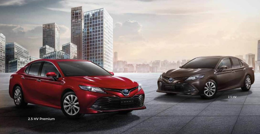 "Toyota Camry 2.5Q 2019 ve Viet Nam bi ""cat"" hop so 8 cap va dong co moi"