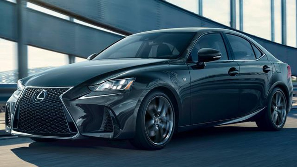 Chi tiet sedan Lexus IS 300 F Sport Black Line phong cach the thao