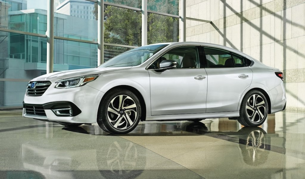 Ra mat Subaru Legacy 2020 the he moi Chat hon trong phan hang
