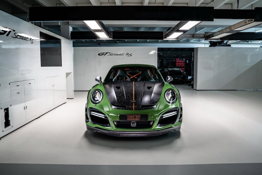 "Porsche 911 GT2 RS bi ""danh bai"" boi sieu xe do TechArt GTstreet RS"