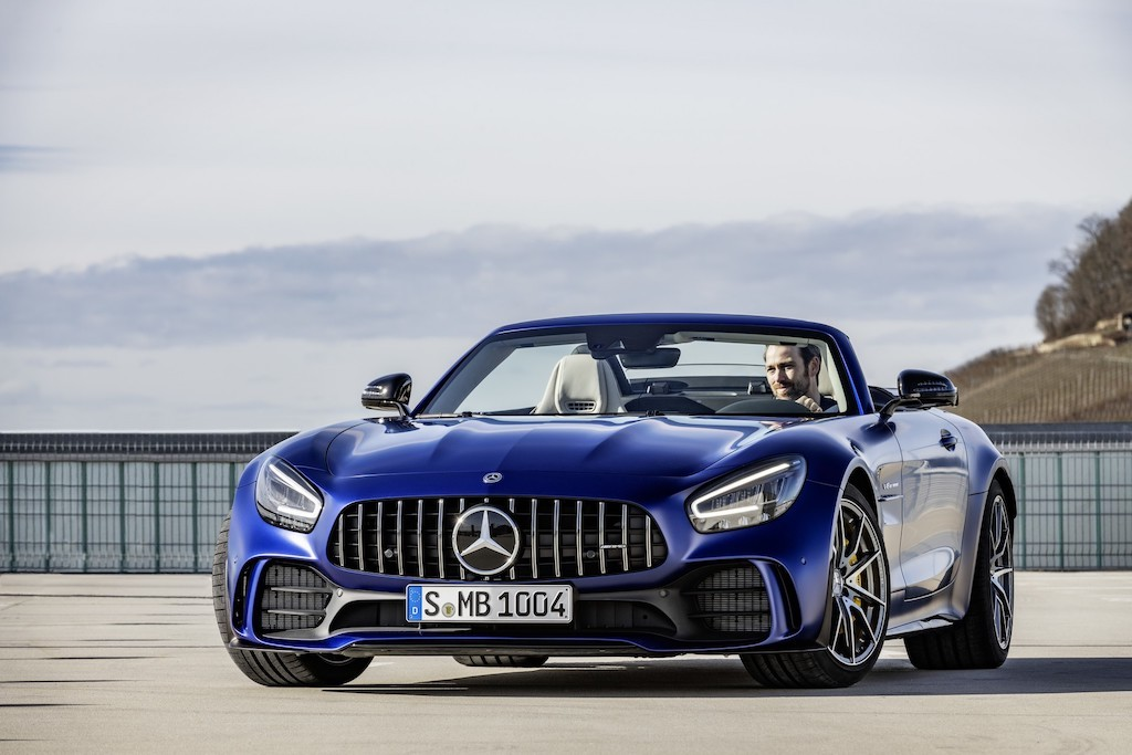 "Can canh sieu xe mui tran ""chay gat"" Mercedes-AMG GT R Roadster moi"