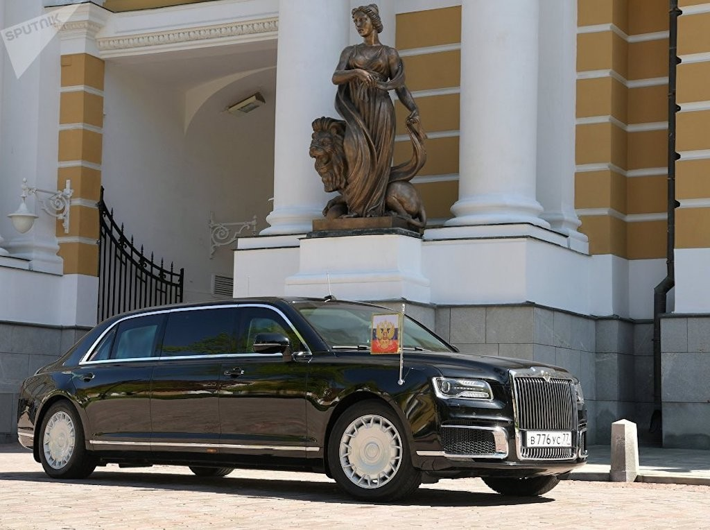 limousine kortezh c a putin l n u xu t hi n b ng x ng b ng th. Black Bedroom Furniture Sets. Home Design Ideas