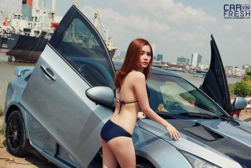 jenni-nguyen-sexy-chevrolet-cruze-do-saigon