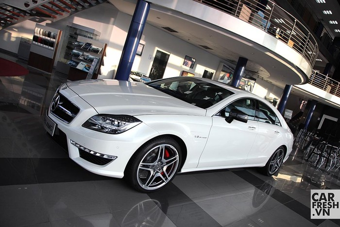 mercedes-benz-CLS-63-AMG-S-model-2014-carfresh